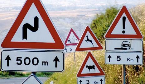 ¿Qué hacemos cuando nos encontramos con una señal de tráfico contradictoria?